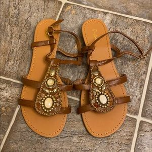 [☀️] 4/$30 Sandals with stone and chain details